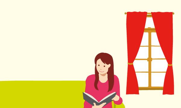 赤いカーテンの部屋と本を読む女性